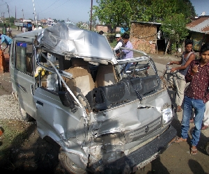 Two killed in road accidents , three injured