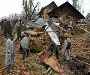 4 houses collapsed in kashmirs budgam