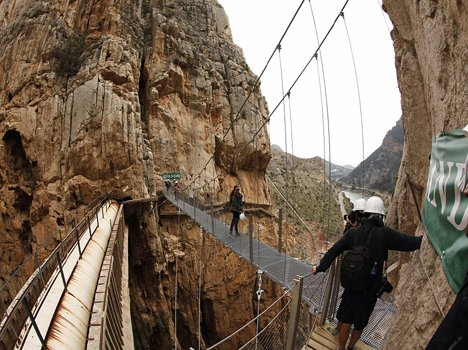 most dangerous footpath in the world