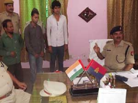 3 Arrested in threatening jila panchayat member