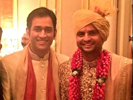 Chennai Super Kings teammate arriving at raina's wedding