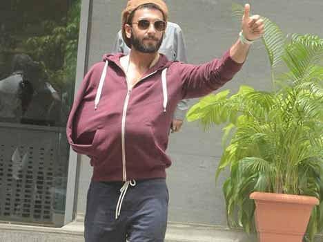 Ranveer Singh back home after surgery