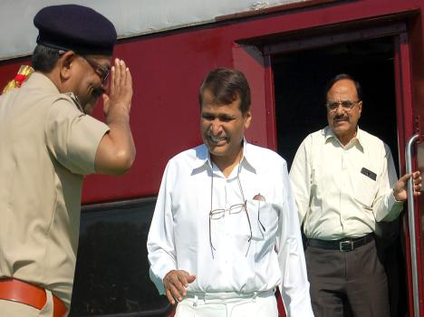 railway minister sursh prabhu visit haridwar, see pics.