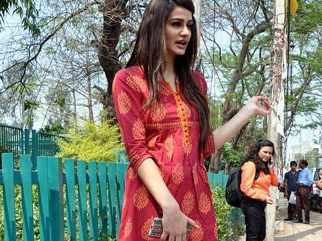 Aditi arya return to homeland after being miss india