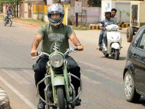 Dhoni fined challan of Rs 500