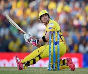 LIVE: चेन्नई का दूसरा विकेट भी गिरा, रैना आउट