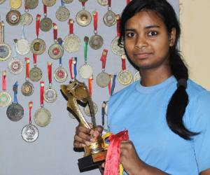 16 year old talented sketing player won 100 medal