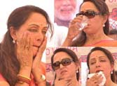 Hema Malini was bothered by the heat
