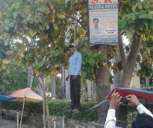 Farmer attempt suicide in front of DM house