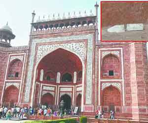 The earthquake also caused damage to the historic Taj Mahal