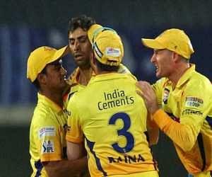 LIVE: chennai super kings vs royal challengers banglore, ipl 8