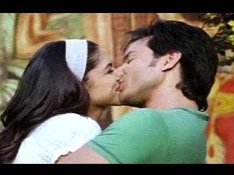 deepika kissing के लिए इमेज परिणाम
