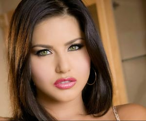 Sunny Leone Thrown out of Rented Apartment