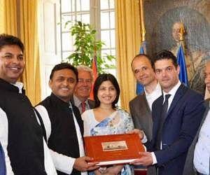 Akhilesh yadav promote kannauj perfume in france