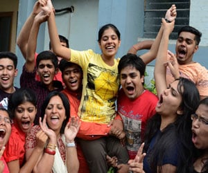 Read the story in pictures of Gayatri CBSE 12 th topper