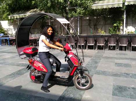 Dynamics unveils solar-electric hybrid scooter at Rs 50,000 in India