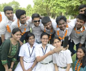 Toppers in CBSE from Lucknow.