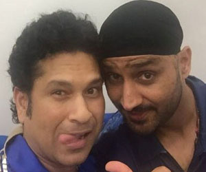 sachin tendulkar having fun with mumbai indians players