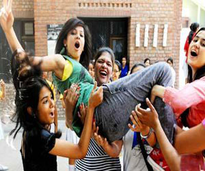 Mumbai college to give free education to meritorious students