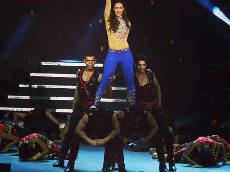 Lauren Gottlieb's OOPS moment on-stage gets edited from the show!