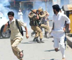 syed ali shah geelani house arrest, clash between supporters and police in anantnag