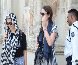 Tourist are show anger on banning skirt in imambara