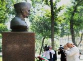 pm Modi pays tribute to the former Prime Minister Lal Bahadur Shastri in Tashkent