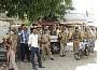 UP: बाराबंकी में दो गुट भिड़े, 50 घायल