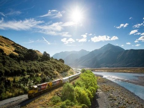 10 Most Scenic Train Rides in The World