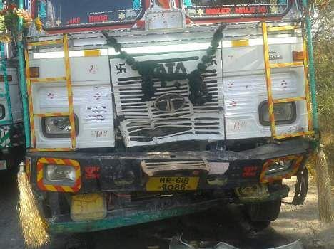brutly accident near charkhi dadri, three killed, see pics