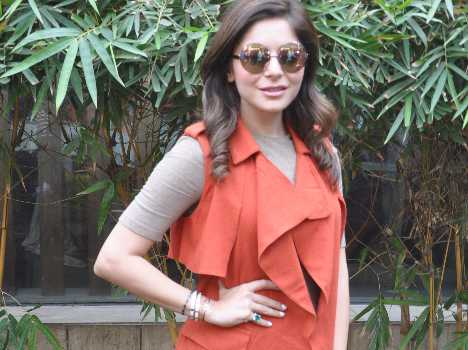 singer kanika kapoor visits lucknow