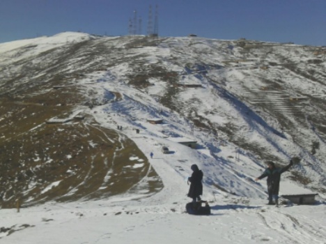 in pictures, snowfall in gulmarg and nathatop