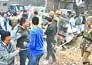 पिपरौली में भारी बवाल, भीड़ ने तोड़ी पुलिस की जीप
