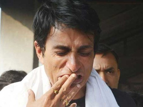 bollywood actor sonu sood condition after father death