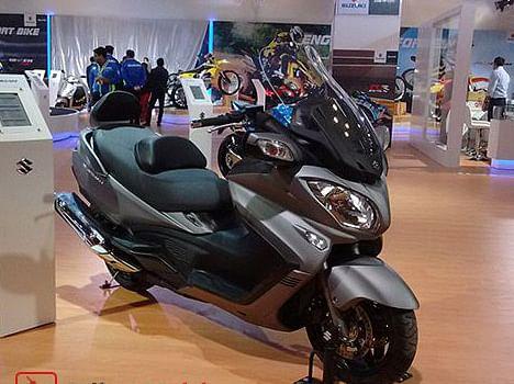 Auto Expo 2016: Suzuki's 650cc Massive Scooter Burgman Showcased