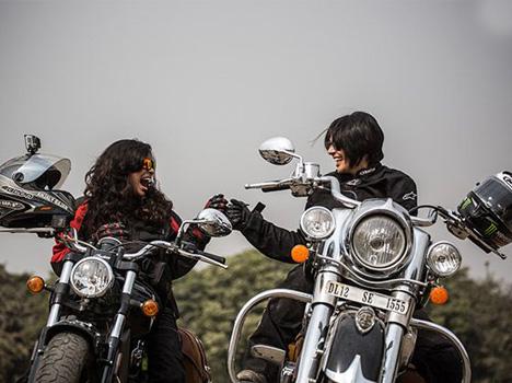 2016 India Bike Week: A 1,883 km Long Journey of Two Ladies with Indian Cruisers