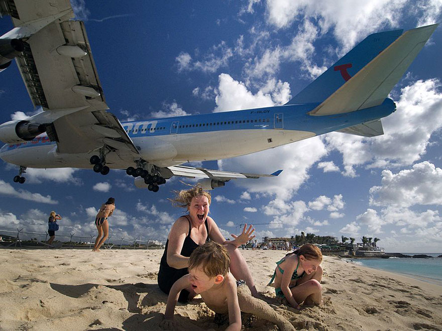 extreme plane landings at maho beach