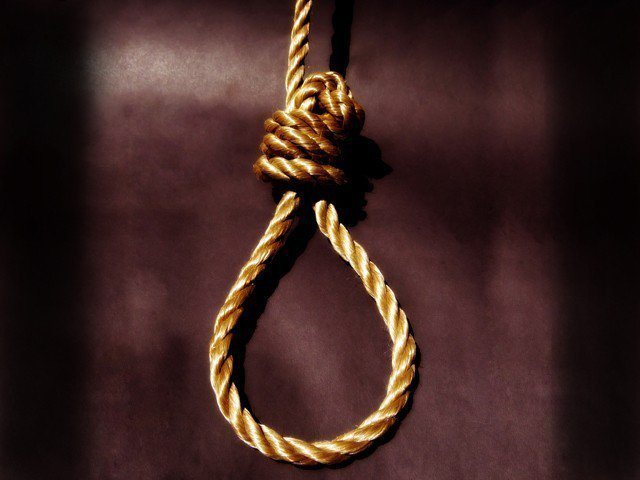 Found hanged dealer suspected of murder