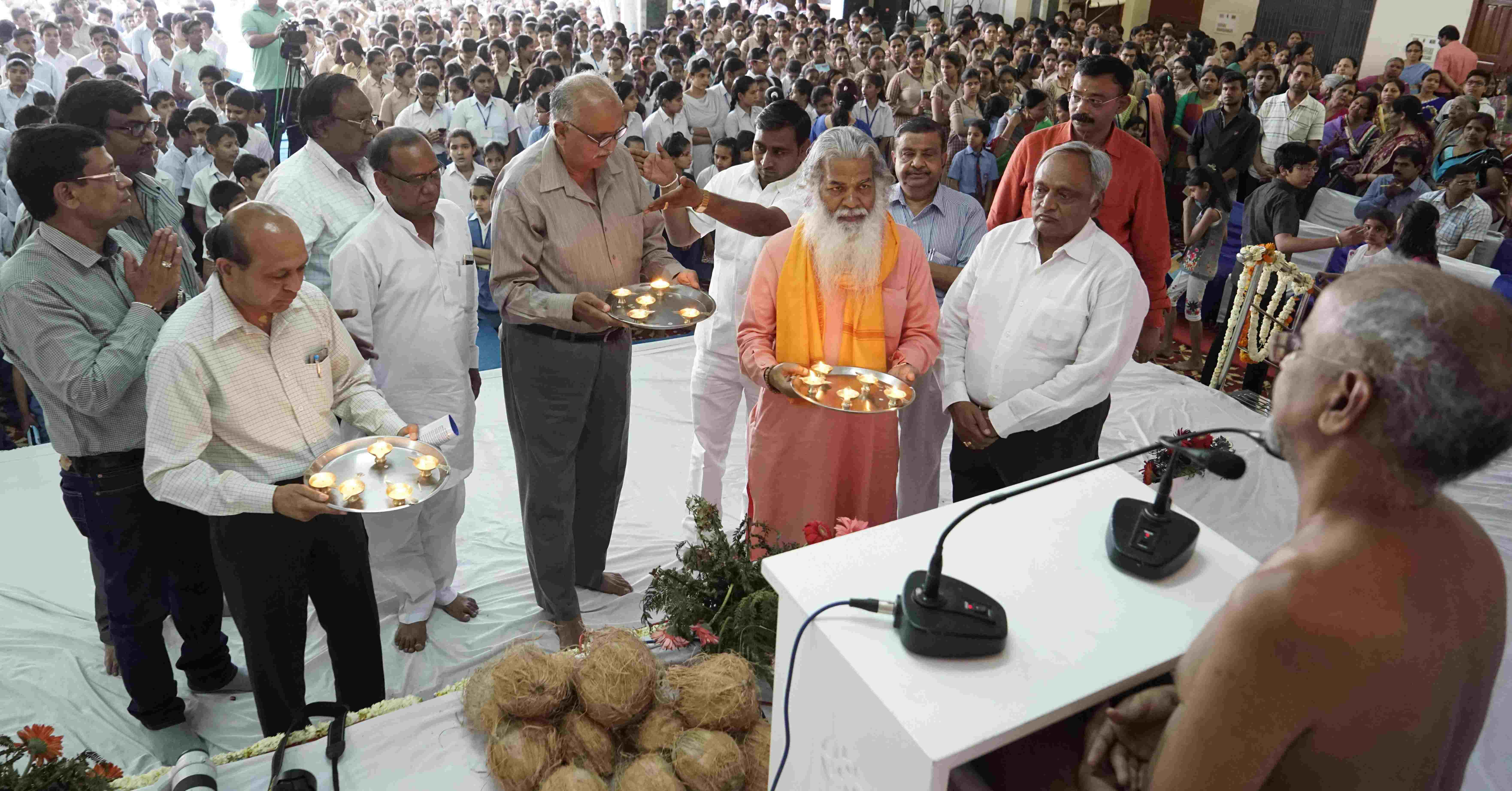 Jain Muni Tarun Sagar Maharaj Pravachan In Haryana Assembly