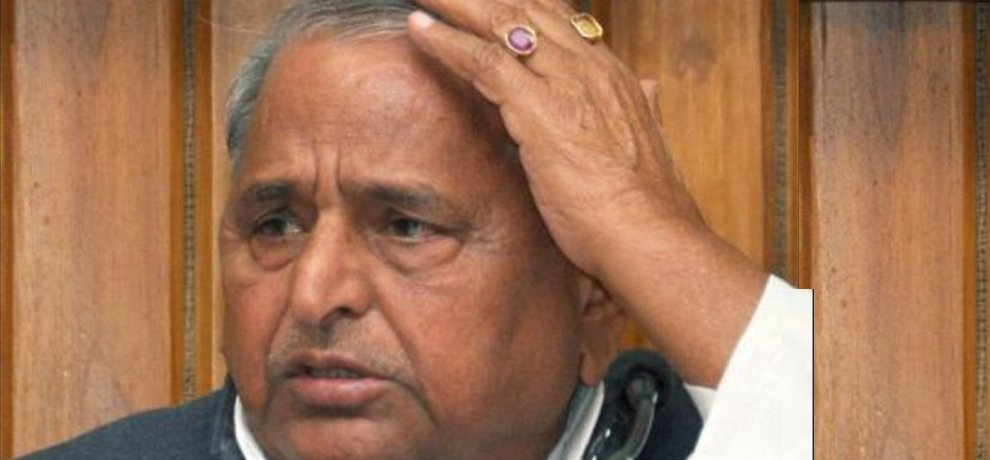 mulayam singh visits PGI due to throat infection