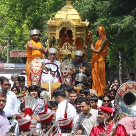 mahavir jayanti, digambar jain mandir, rathyatra, chandigarh, jain community