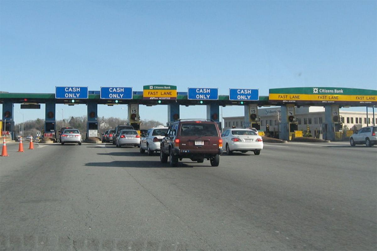 खड़ी कार का टोल टैक्स कटा 300 किलोमीटर दूर! जानिए ऐसा हो तो क्या करें