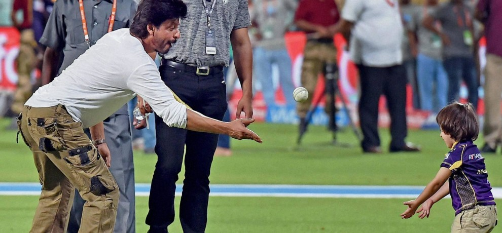 Shahrukh Khan And His Son Abram playing cricket After Ipl Match