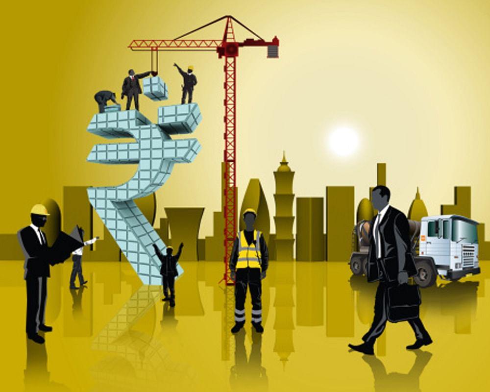 कोरोना के कारण लॉकडाउन की वजह से प्रदेश की अर्थव्यवस्था को पटरी पर लाने के लिए प्रदेश सरकार तीन स्तर पर रणनीति बनाकर काम करेगी।
