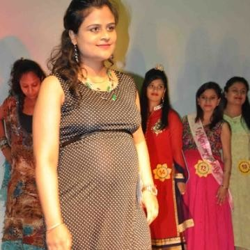 Pregnant womens on ramp