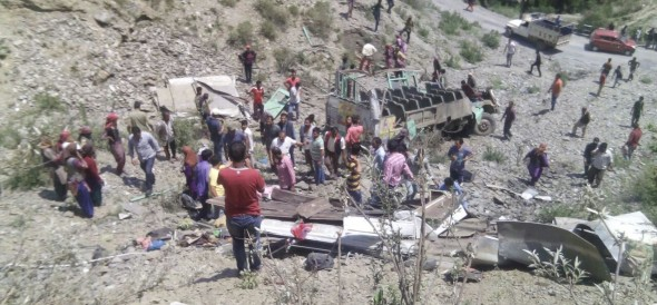 15 people were killed in road accident in almora