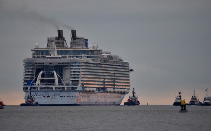 picture of world largest cruise ships