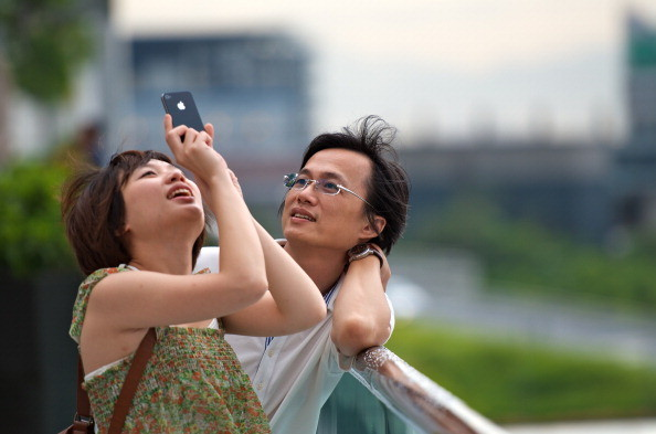 5 Weird Dating Apps take care of your partner completely