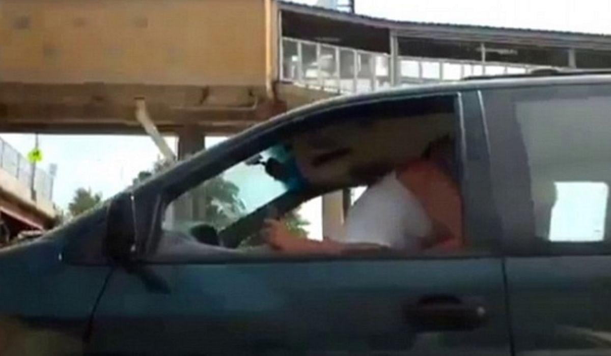At have sex i en bil Træk håndbremsen Først advarer svensk politi --2649