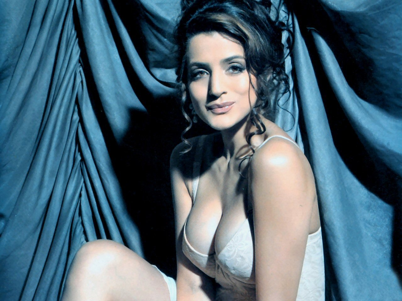 nude pictures of amisha patel  560947